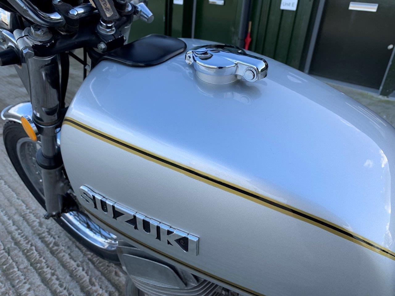 Suzuki GT500 1976 SOLD (picture 4 of 6)
