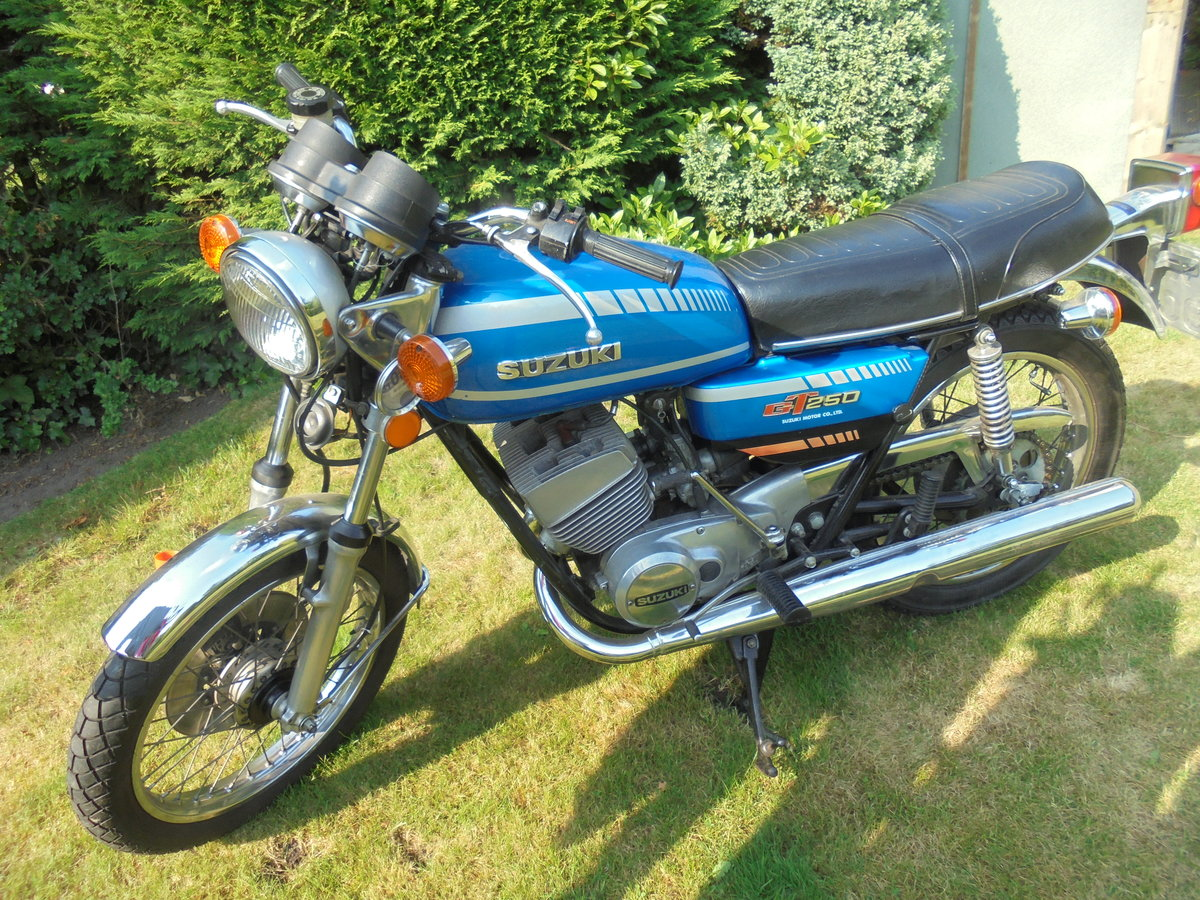 1977 suzuki gt250b immaculate For Sale (picture 2 of 6)