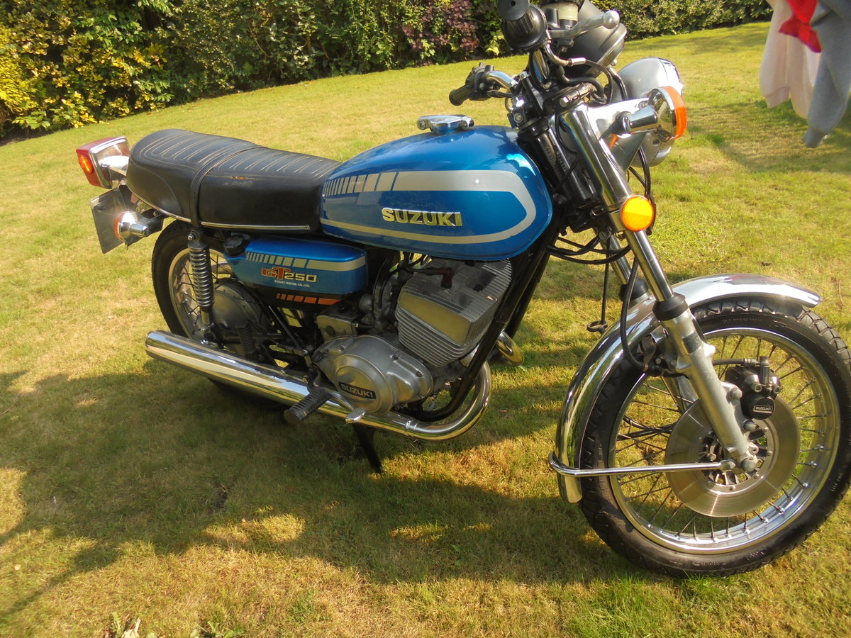 1977 suzuki gt250b immaculate For Sale (picture 3 of 6)