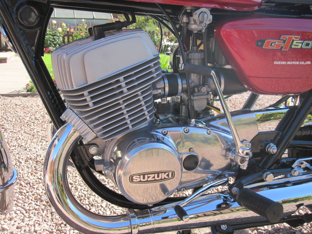 1977 Suzuki GT500 in Outstanding Condition SOLD (picture 3 of 6)