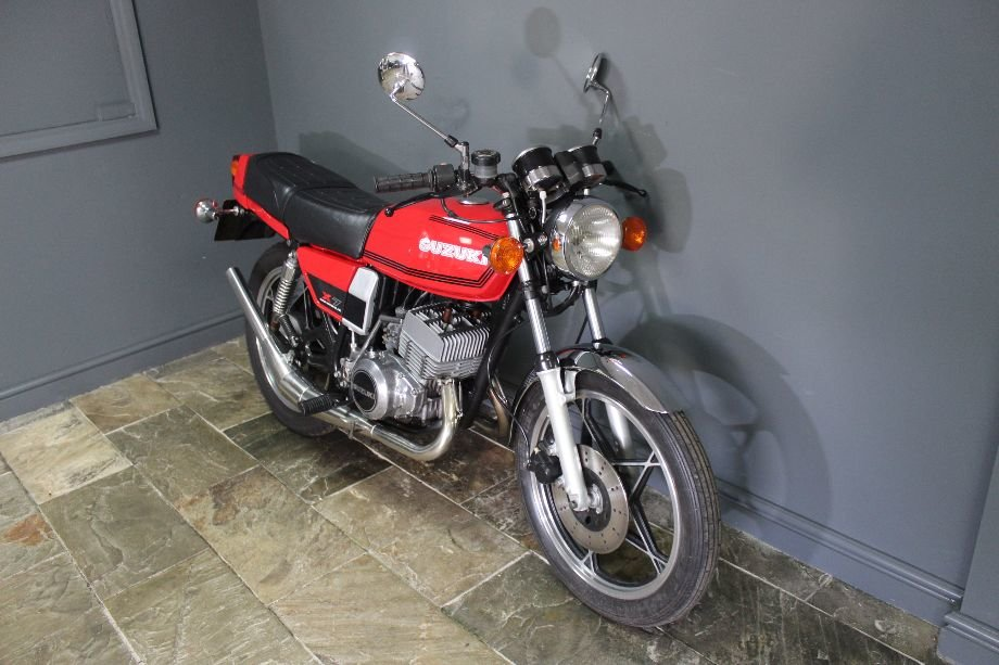 1981 Suzuki X7 250 cc Two Stroke Twin SUPERB  For Sale (picture 3 of 6)