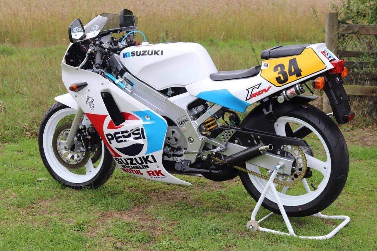 1988 Suzuki RGV250 Pepsi For Sale (picture 1 of 8)