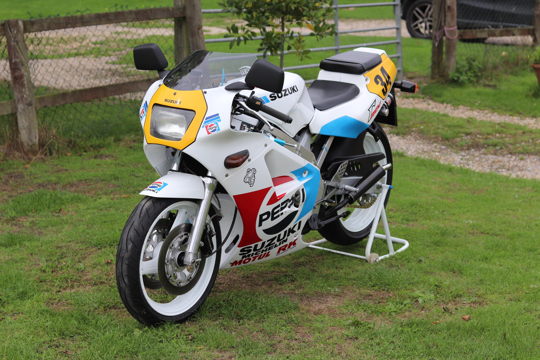 1988 Suzuki RGV250 Pepsi For Sale (picture 5 of 8)