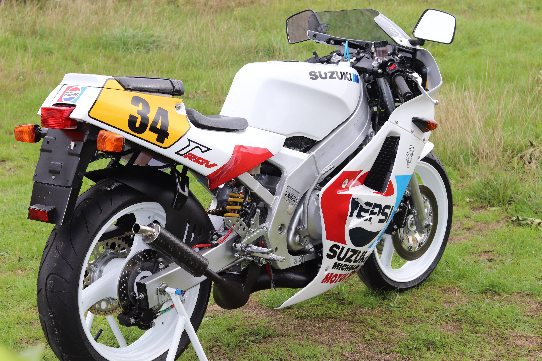 1988 Suzuki RGV250 Pepsi For Sale (picture 7 of 8)