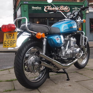 Picture of 1976 Suzuki GT750 Liquid Cooled Triple, With Higg Speeds. For Sale