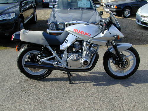 1984 SUZUKI GSX 1100 KATANA - 1980`s ERA SUPER BIKE! -ULTRA RARE! For Sale (picture 2 of 6)