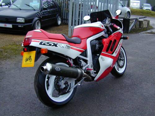 1988 SUZUKI GSX R 750  For Sale (picture 3 of 6)