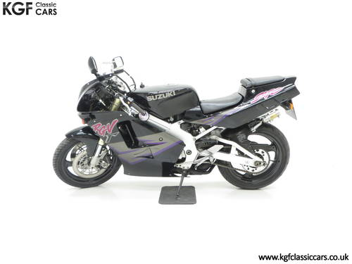 1993 A Race-Bred UK Suzuki RGV250P VJ22 in Superb Condition SOLD (picture 3 of 6)