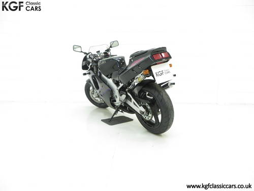 1993 A Race-Bred UK Suzuki RGV250P VJ22 in Superb Condition SOLD (picture 4 of 6)