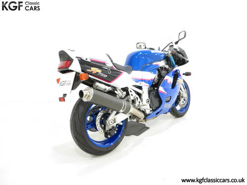 1994 An Ultra-Rare Homologation Suzuki GSX-R750 SP SOLD (picture 5 of 6)