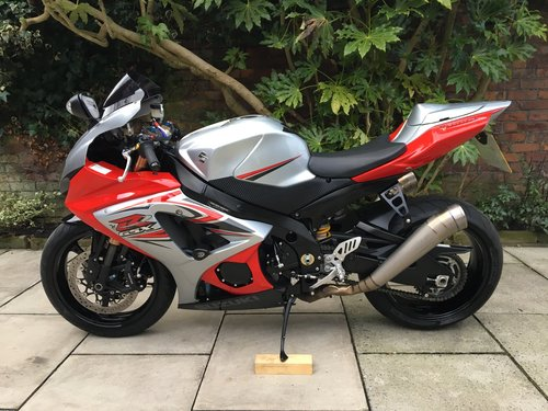 2007 Suzuki GSXR1000 Isle Of Man TT, Ltd Edn No.147of150 SOLD (picture 3 of 6)