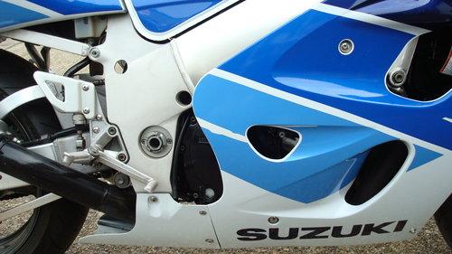 Suzuki GSXR 750 T 1996-P **7800 miles** For Sale (picture 3 of 6)