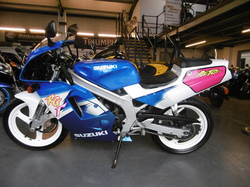 1993 Susuki RG125F Very original condition  SOLD (picture 4 of 6)