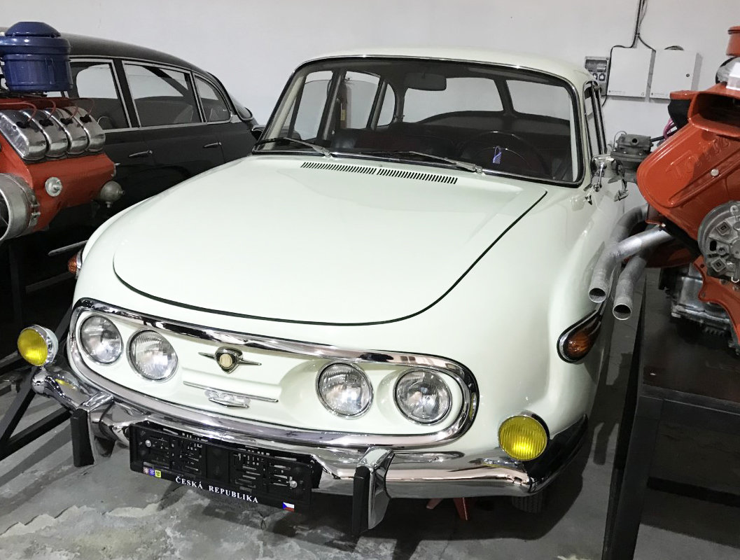 1974 Tatra 603 white For Sale (picture 2 of 6)