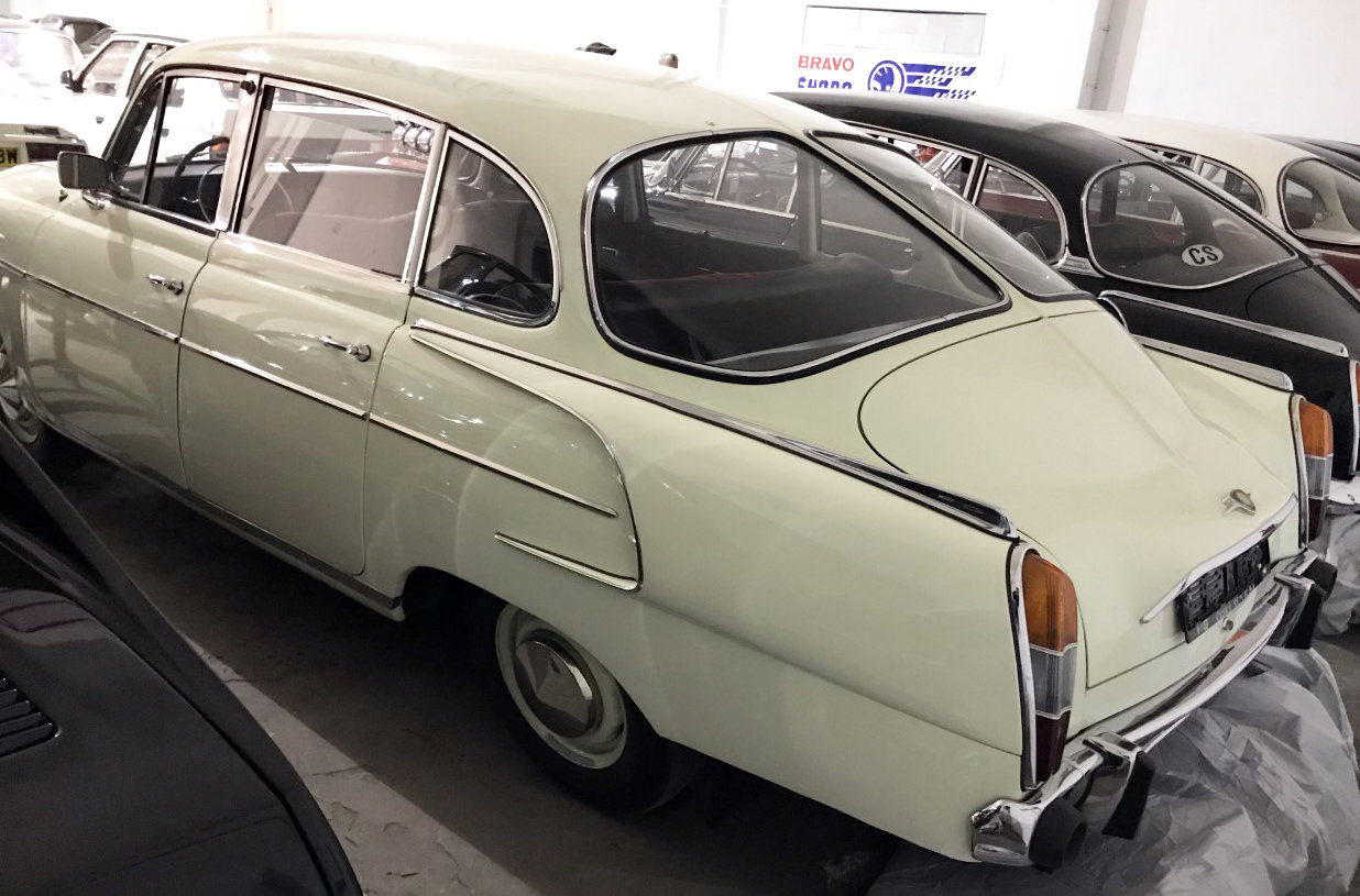 1974 Tatra 603 white For Sale (picture 3 of 6)