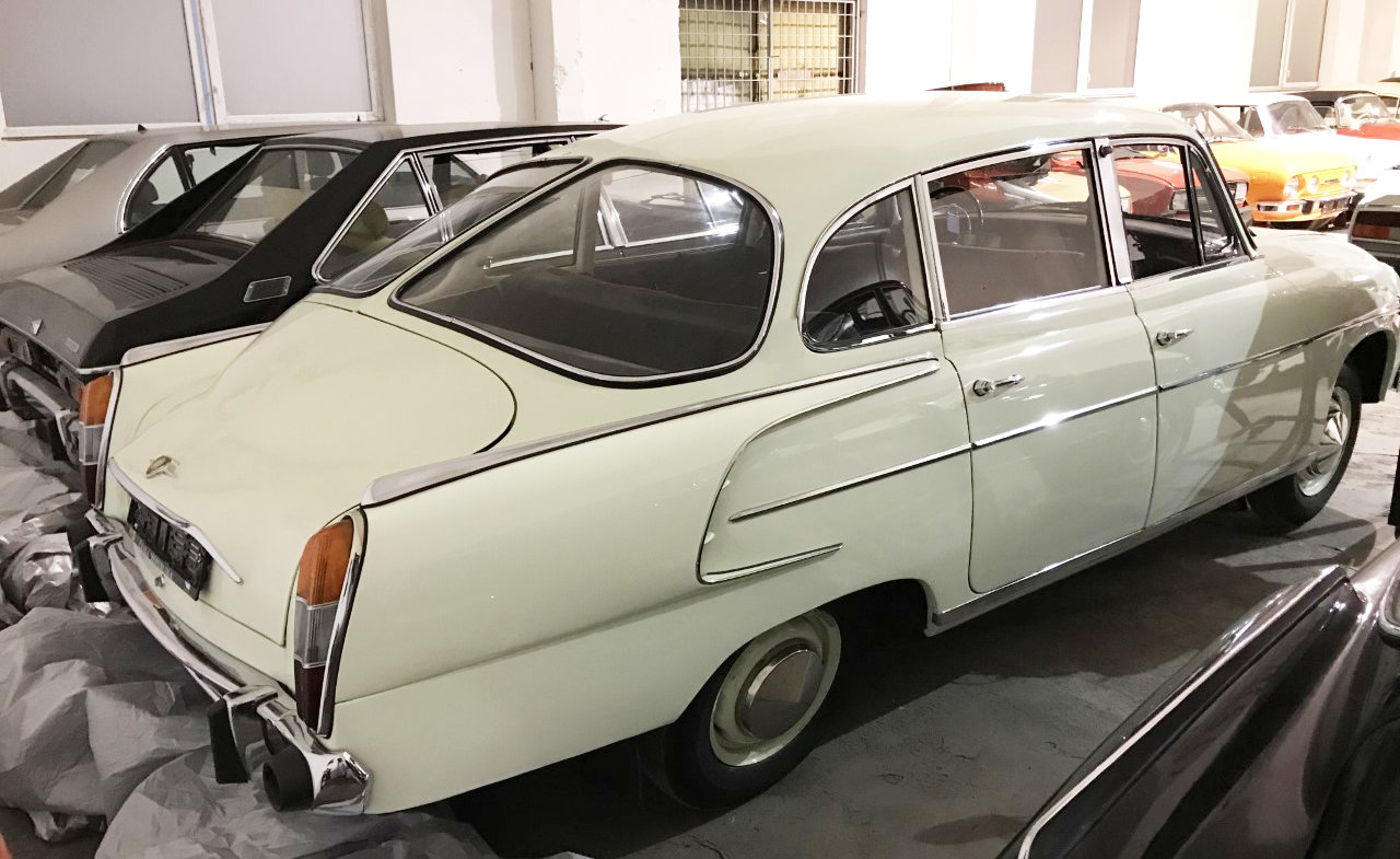 1974 Tatra 603 white For Sale (picture 4 of 6)