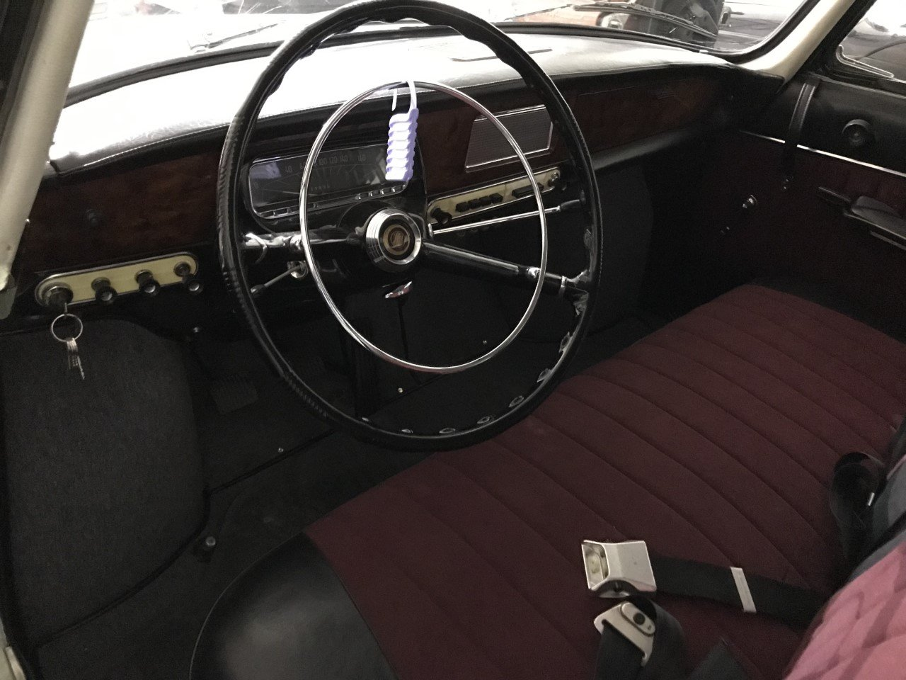 1974 Tatra 603 white For Sale (picture 5 of 6)
