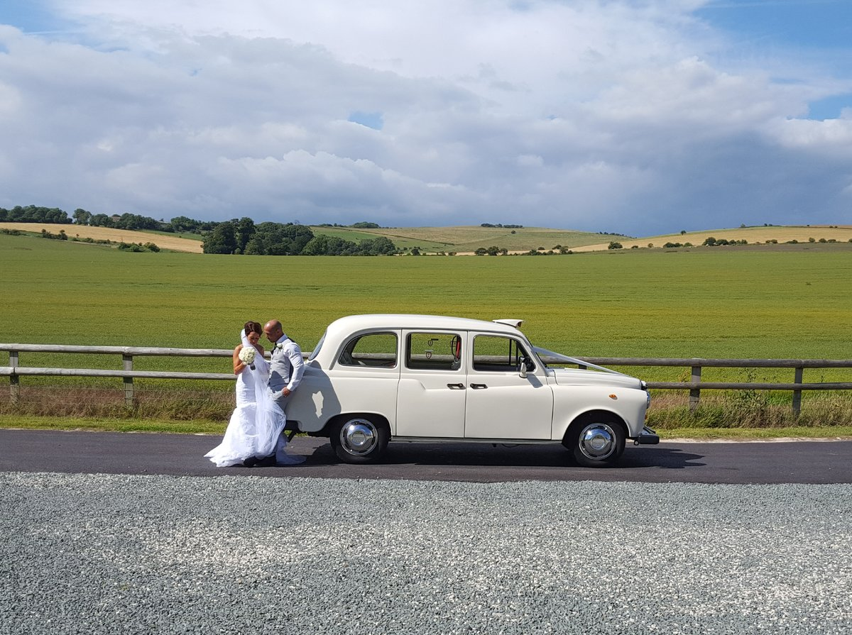 1997 White London Taxi Wedding Car Hire For Hire (picture 1 of 6)