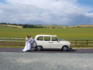 1997 White London Taxi Wedding Car Hire