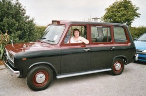1970 Metrocab prototype no. 2  taxi