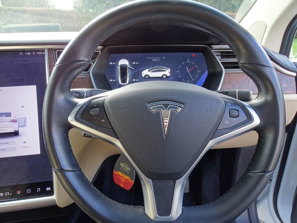 2017 TESLA  MODEL X  75D 7 SEATER  57,948 For Sale (picture 7 of 24)