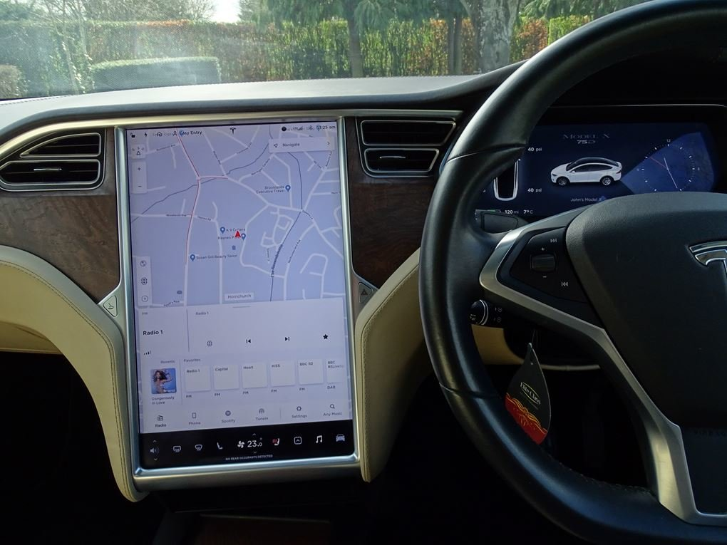 2017 TESLA  MODEL X  75D 7 SEATER  57,948 For Sale (picture 8 of 24)