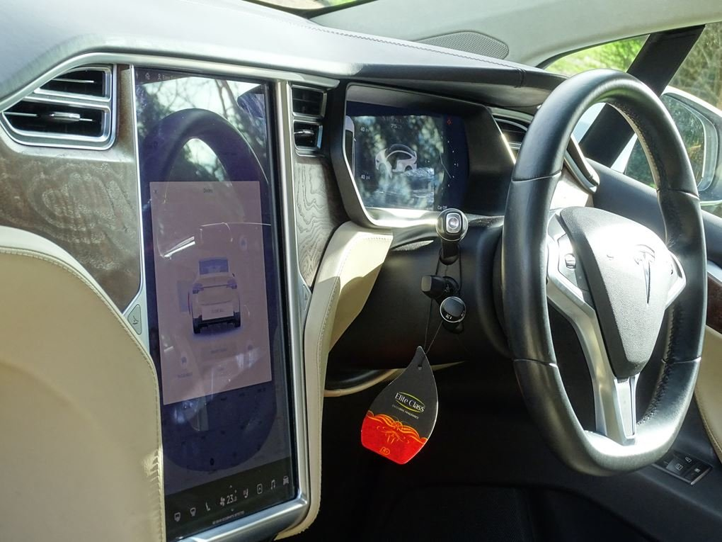2017 TESLA  MODEL X  75D 7 SEATER  57,948 For Sale (picture 14 of 24)