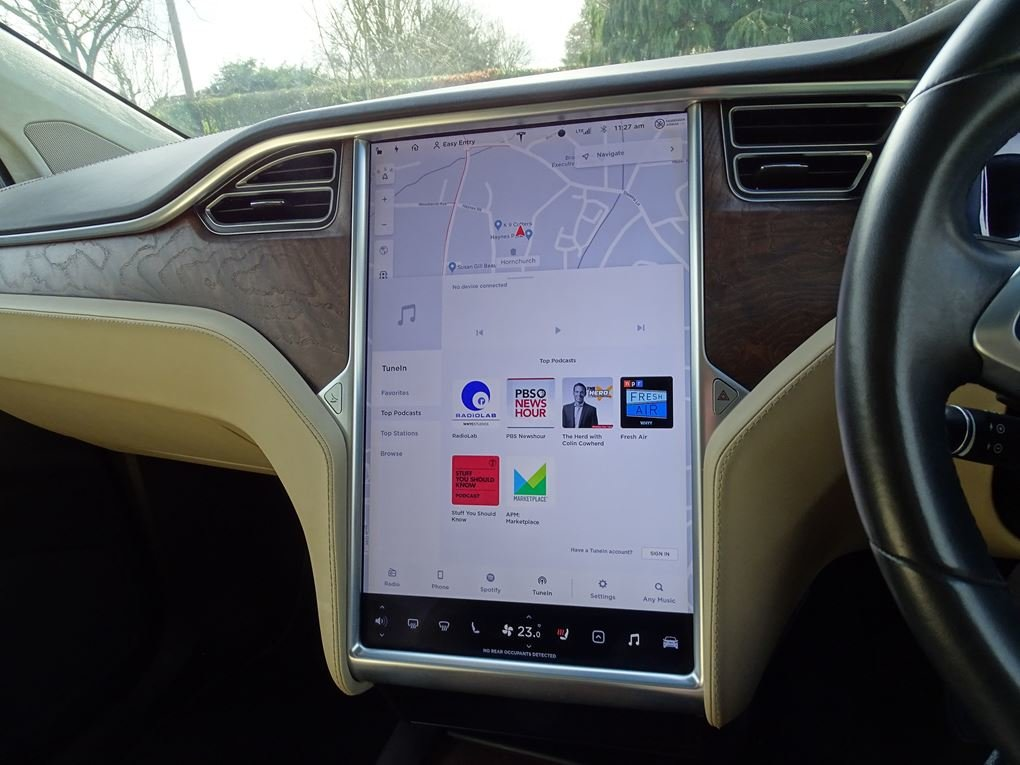 2017 TESLA  MODEL X  75D 7 SEATER  57,948 For Sale (picture 17 of 24)