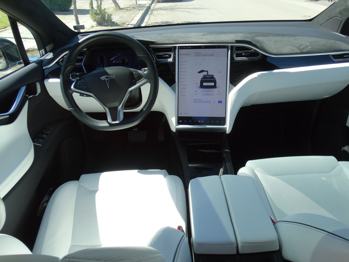 2016 Tesla 90 D, 36700km, 1 owner, Autopilot equipped For Sale (picture 6 of 6)