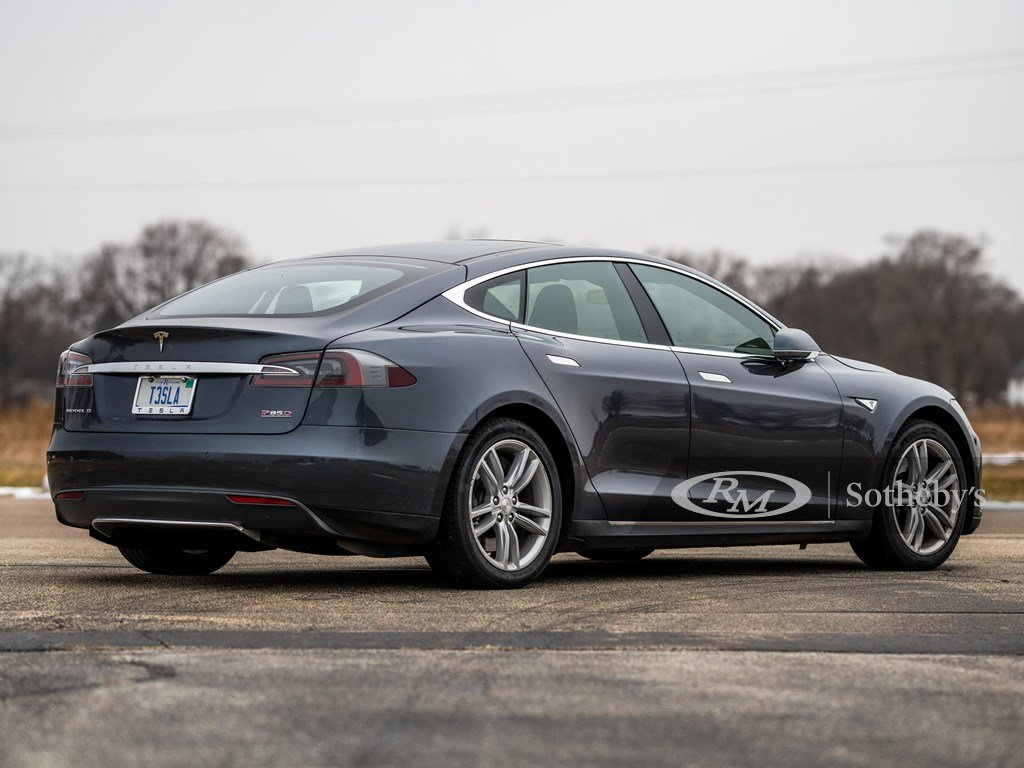 2015 Tesla Model S P85D  For Sale by Auction (picture 2 of 6)