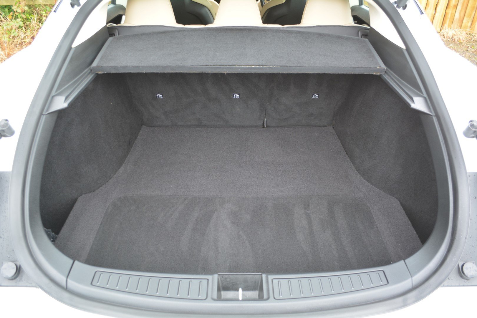 2014 TESLA MODEL S 60KWH - AutoPilot - Cream Interior For Sale (picture 5 of 6)