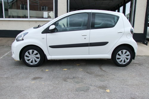 2013 TOYOTA AYGO 1.0 VVT-I ICE 5DR SOLD (picture 2 of 6)