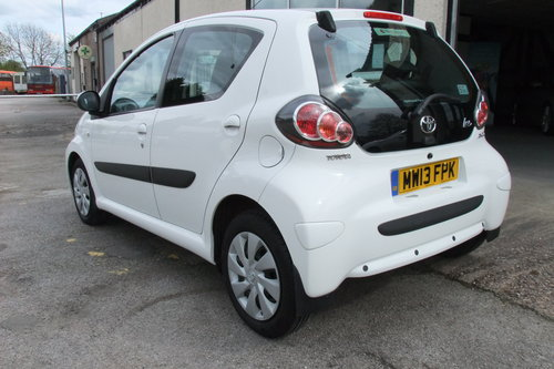 2013 TOYOTA AYGO 1.0 VVT-I ICE 5DR SOLD (picture 3 of 6)