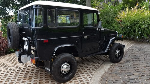 1981 Toyota Land Cruiser BJ40    7 Seats   SOLD (picture 4 of 6)