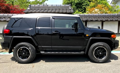 2012 FJ Cruiser Available to Order. No.1 Exporter to UK For Sale (picture 4 of 6)