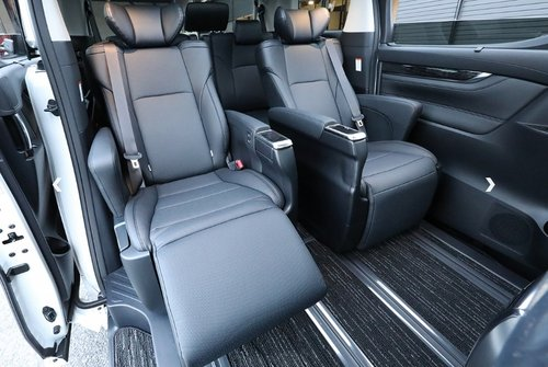 TOYOTA ALPHARD 2018 3.5 SC EDITION * FRESH IMPORT * For Sale (picture 4 of 6)