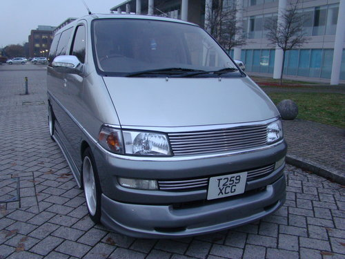 1999/T TOYOTA HIACE REGIUS MPV ++ JDM VIP STYLE DAY VAN ++ For Sale (picture 1 of 6)
