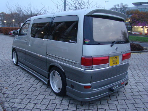 1999/T TOYOTA HIACE REGIUS MPV ++ JDM VIP STYLE DAY VAN ++ For Sale (picture 5 of 6)