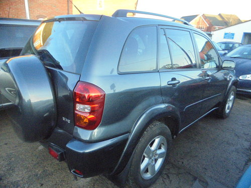 2005 RAV 4 5 DOOR ESTATE 4X4 2LTR PETROL 5 SPEED MANAUL MOTED  For Sale (picture 2 of 6)