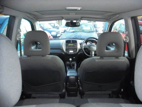 2005 RAV 4 5 DOOR ESTATE 4X4 2LTR PETROL 5 SPEED MANAUL MOTED  For Sale (picture 6 of 6)