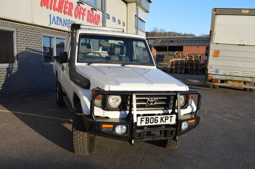 2006 Toyota Land Cruiser HZJ79 4x4 Pickup For Sale (picture 1 of 6)