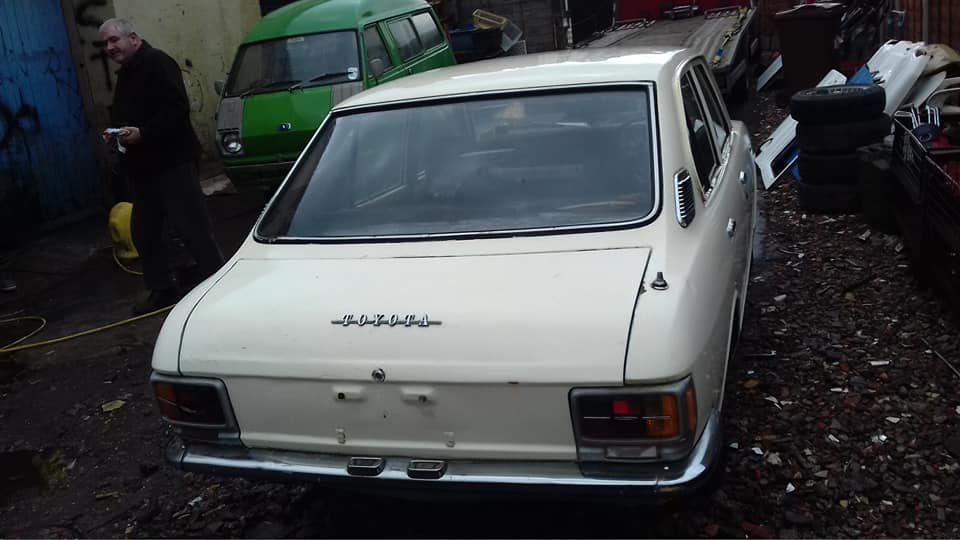 1971 TOYOTA COROLLA KE20 EASY ROLLING RESTORATION  For Sale (picture 3 of 6)