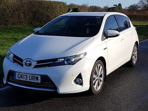 2013 TOYOTA AURIS VVT-i EXCEL e- CVT HSD For Sale