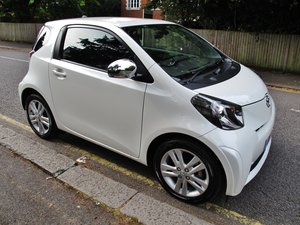 TOYOTA iQ3 3 - 4 CYLINDER 16k FSH WHITE 2012MY MANUAL - SOLD