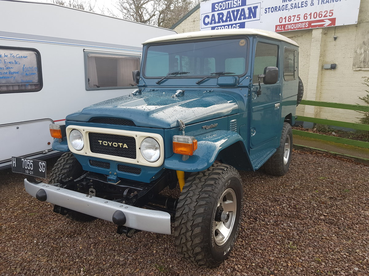 Classic Toyota Land Cruiser FJ40 1978 full body restoration For Sale (picture 3 of 6)