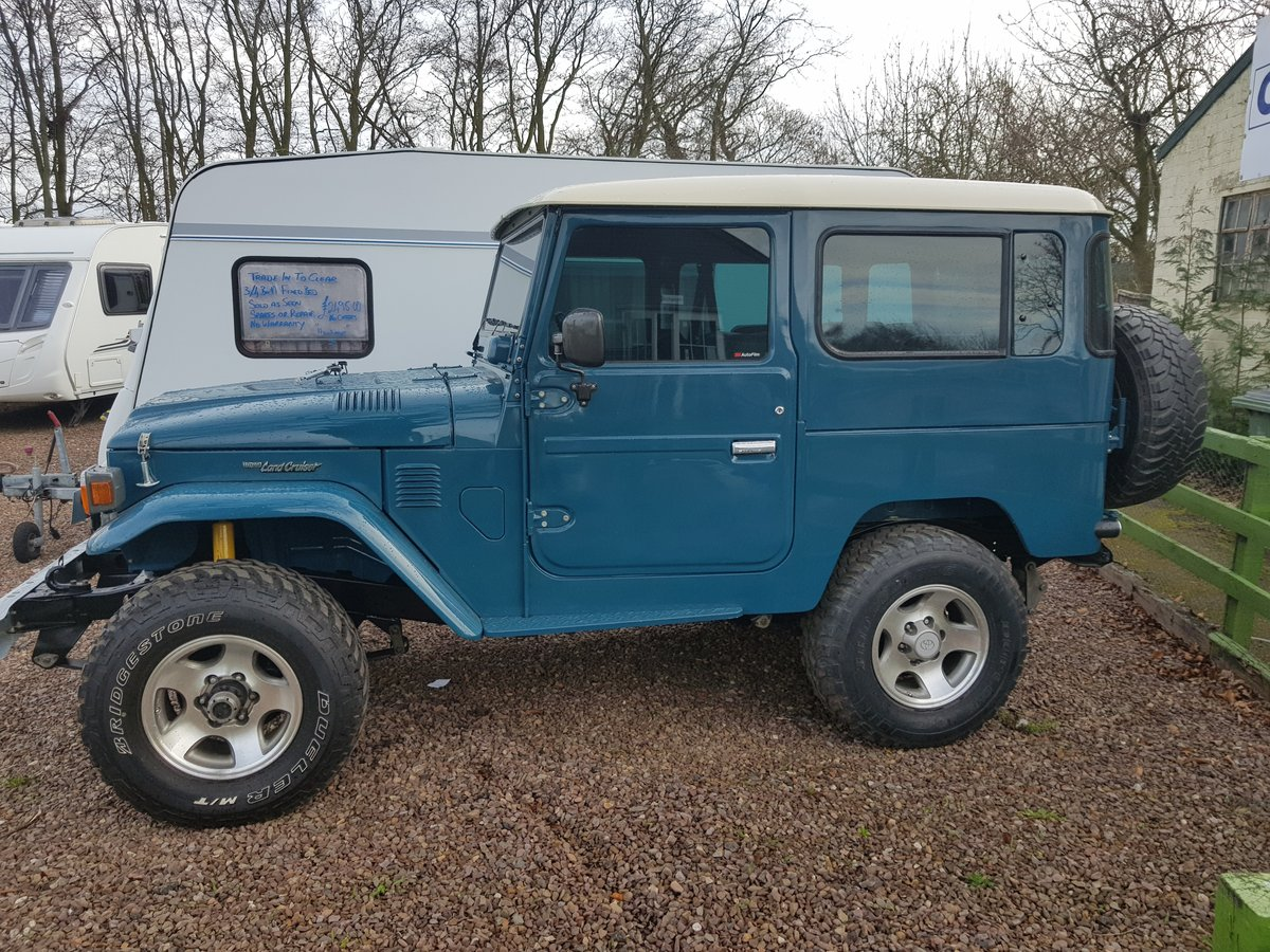 Classic Toyota Land Cruiser FJ40 1978 full body restoration For Sale (picture 4 of 6)