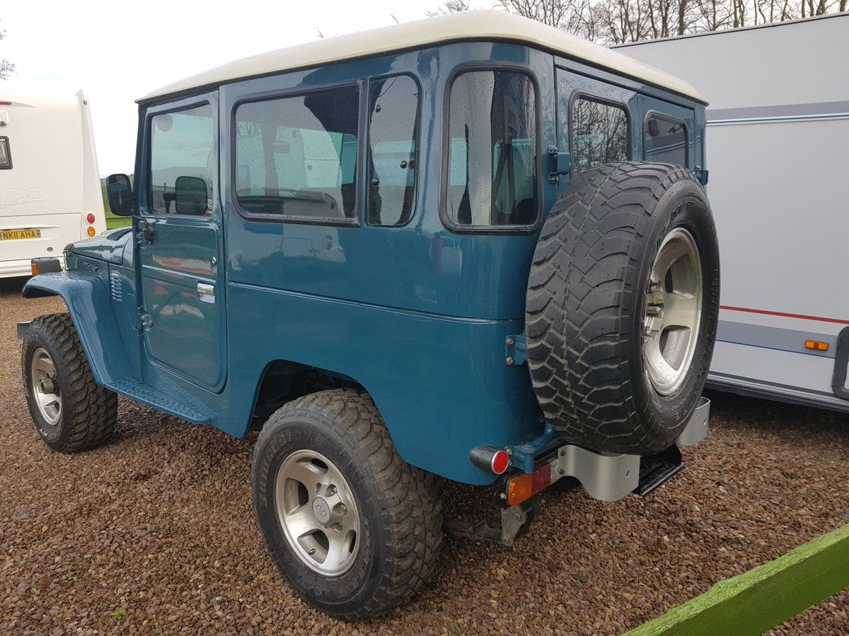 Classic Toyota Land Cruiser FJ40 1978 full body restoration For Sale (picture 5 of 6)