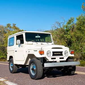 1977 Toyota FJ-40 Land Cruiser = clean Ivory 33k miles $37.9 For Sale