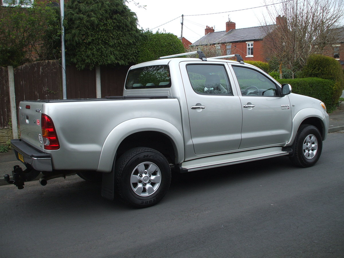 2009 Toyota Hilux For Sale For Hire (picture 1 of 6)