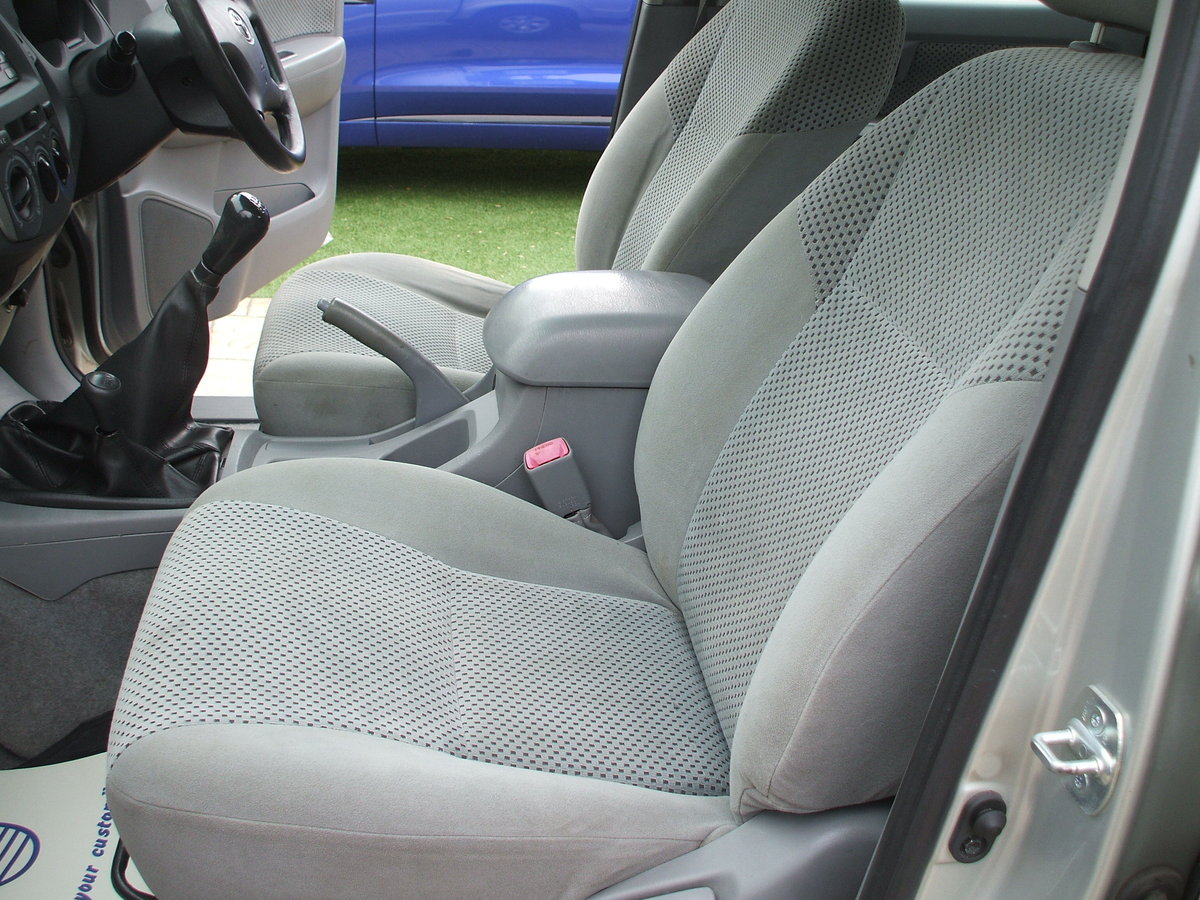 2009 Toyota Hilux For Sale For Hire (picture 3 of 6)